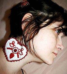 Náušnice - Folklórne červené srdiečko: Náušnice - 8806190_