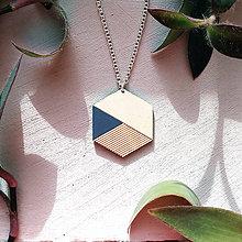 Náhrdelníky - Drevený náhrdelník Mrak - 8806963_