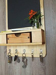 Nábytok - Vešiak na kľúče s tabuľou - 8808297_