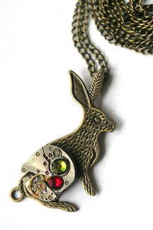 Náhrdelníky - Steampunkový náhrdelník Zajko - 8808696_
