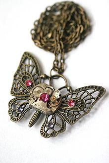 Náhrdelníky - Steampunkový náhrdelník Motýlik - 8808805_