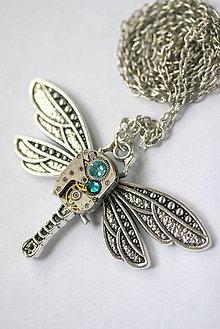 Náhrdelníky - Steampunkový náhrdelník Vážka - 8809046_