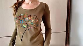 Tričká - Ludovy namet, rucne malovane bavlnene tricko - 8813846_