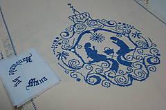 Úžitkový textil - Ručne vyšívaný  obrus /štola/ - 8812705_