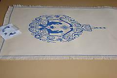 Úžitkový textil - Ručne vyšívaný  obrus /štola/ - 8812706_