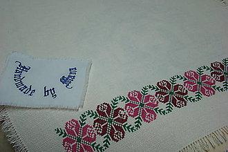 Úžitkový textil - Ručne vyšívaný ľanový obrus - 8812591_