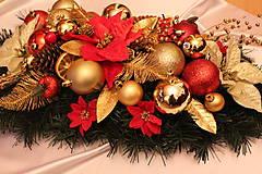 Vianočná ikebana na stôl tradičná červeno-zlatá