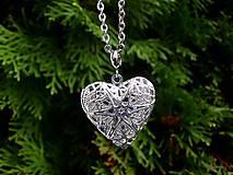 - náhrdelník s otvárateľným srdcom filigránový - 8813870_