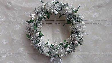Dekorácie - Vianočný veniec ľadový - 8813412_