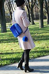 Kabelky - Koženo- kožušinová kabelka CROSSBODY- KRÁĽOVSKÁ MODRÁ - 8811700_