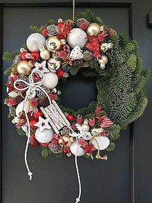 Dekorácie - Vianočný veniec na dvere - 8812179_