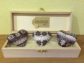 Drobnosti - Handmade magnetky na chladnicku, 3 kusy v krabicke, cipka - 8815254_