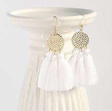 Náušnice - Zlaté náušnice s bielymi strapcami - 8815833_