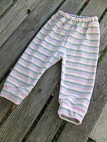Detské oblečenie - tepláčiky č.92 prúžok - 8813107_