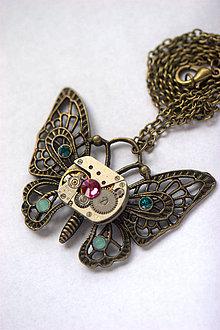 Náhrdelníky - Steampunkový náhrdelník Motýlik - 8811819_