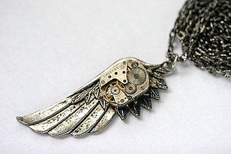 Náhrdelníky - Steampunkový náhrdelník Krídlo - 8815973_
