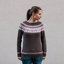 Svetre/Pulóvre - sveter hnedý s ornamentom - 8820173_