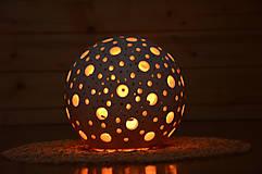 Svietidlá a sviečky - Prořezávaná koule...lucernička větší - 8816897_