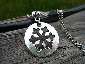 Náhrdelníky - Náhrdelník/prívesok Strieborná snehová vločka - 8827096_