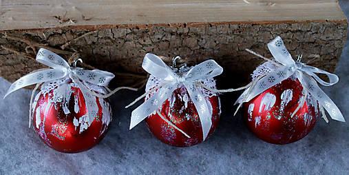 vianočné ozdoby_ červené