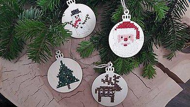 Dekorácie - Drevené vianočné ozdoby- rôzne motívy - 8828362_