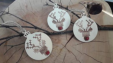 Dekorácie - Drevená vianočná ozdoba -sob - 8828447_