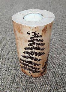 Svietidlá a sviečky - Drevený svietnik papradie - 8828546_