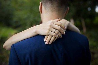 Fotografie - svadobné objatie - 8828200_