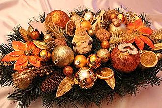 Dekorácie - Vianočná ikebana (svietnik) na stôl tradičná zlato-medená - 8826057_