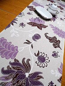 Úžitkový textil - stredový obrus - popínavé fialové kvety - 8827285_