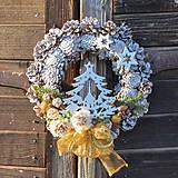 Dekorácie - Vianočný veniec na dvere so stromčekom - 8827995_
