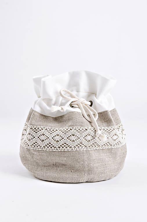 Úžitkový textil - Ľanové servírovacie vrecko s čipkou - 8827930_