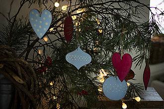 Dekorácie - Kombinácia červených a modrastých Vianoc - 8827226_