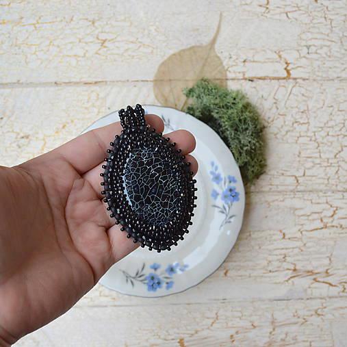 Achátový n.5 šitý náhrdelník
