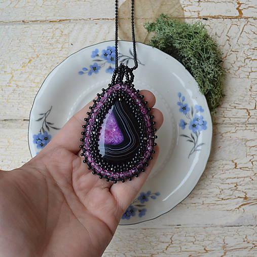 Achátový n.6 šitý náhrdelník