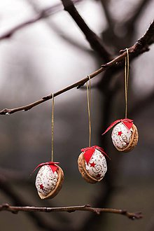 Dekorácie - Vianočný oriešok - bielo-červený II. - 8835721_