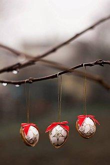 Dekorácie - Vianočný oriešok - bielo-červený III. - 8835748_