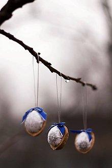 Dekorácie - Vianočný oriešok - bielo-modrý - 8835755_