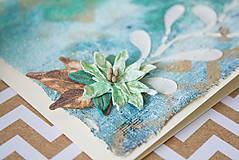 Papiernictvo - Tyrkysové Vianoce - mixed media pohľadnica so zlatým listom - 8837473_