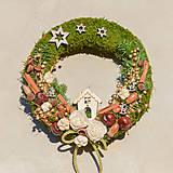 Dekorácie - Prírodný vianočný venček na dvere - 8834696_