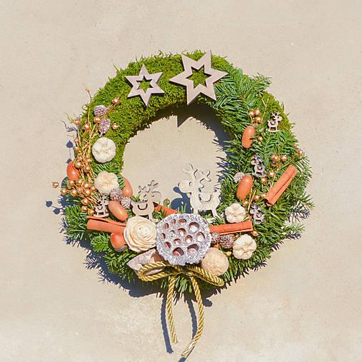 Prírodný vianočný venček na dvere