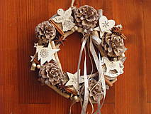 Dekorácie - *Vianočný patinovaný veniec sivo biely s mašličkou - 8839737_