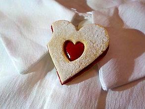 Odznaky/Brošne - linecké srdce nakusnuté-menšia brošňa - 8838996_