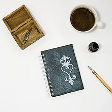 Papiernictvo - Vintage zápisník čierny s modrým ornamentom - 8843212_