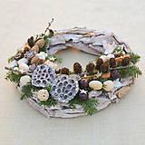 Dekorácie - Prírodný drevený vianočný veniec - 8840350_