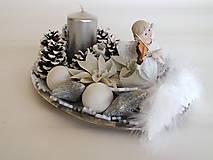 - Vianočný svietnik-oválny nerezový podstavec,strieborná dekorácia,strieborná sviečka - 8844256_