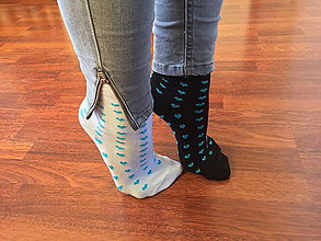 Obuv - Srdiečkové ponožky Folkies #praveslovenske - 8840353_