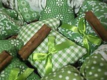 Dekorácie - Zelená sada na stromček - 8844160_