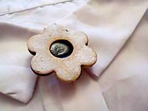 - linecký kvietok s čučoriedkovým džemom-brošňa - 8844210_