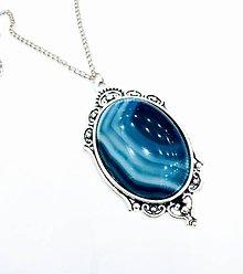 Náhrdelníky - Vintage blue white Rainbow Agate Necklace / Náhrdelník s modro bielym pasikavým achátom /0446 - 8849327_